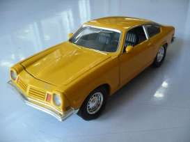 Chevrolet  - 1974 yellow - 1:24 - Motor Max - 73322y - mmax73322y | The Diecast Company