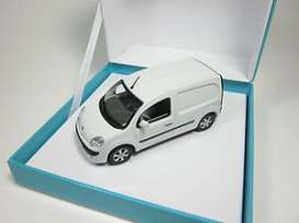 Renault  - 2011 white - 1:43 - Norev - nor7711431004 | The Diecast Company