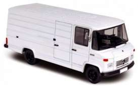 Mercedes Benz  - 1972 white - 1:43 - Norev - nor351155 | The Diecast Company