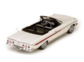 Chevrolet  - 1961 white - 1:18 - SunStar - 3405 - sun3405 | The Diecast Company