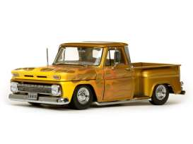 Chevrolet  - C-10 Stepside lowrider 1965 metallic gold - 1:18 - SunStar - 1393 - sun1393 | The Diecast Company
