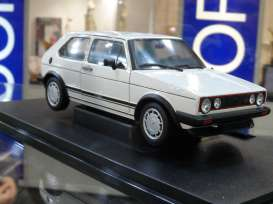 Volkswagen  - white - 1:18 - Welly - welly18039w | The Diecast Company
