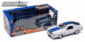 Ford  - Mustang Cobra II 1976 white/blue - 1:18 - GreenLight - 12880 - gl12880 | The Diecast Company