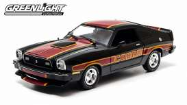 Ford  - Mustang Cobra II 1978 black/red/yellow - 1:18 - GreenLight - 12891 - gl12891 | The Diecast Company
