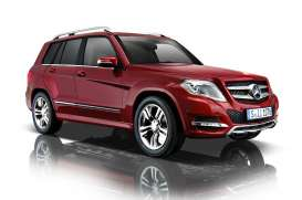 Mercedes Benz  - 2013 red - 1:18 - GTA - gta11008r | The Diecast Company
