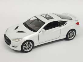 Hyundai  - 2015 white - 1:34 - Welly - Welly43668 | The Diecast Company