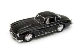Mercedes Benz  - 1955 black - 1:34 - Welly - welly43656bk | The Diecast Company