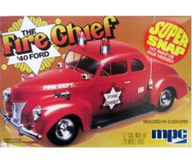 MPC - Ford  - mpc815 : 1940 Ford Fire Chief super snap, plastic modelkit