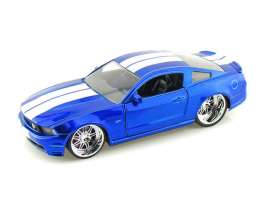 Ford  - 2010 blue/white - 1:24 - Jada Toys - 92205bw - jada92205bw | The Diecast Company