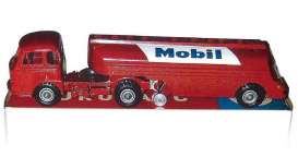 Renault  - red - 1:43 - Norev - norC48024 | The Diecast Company
