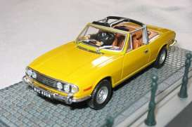 Triumph  - Stag yellow - 1:43 - Magazine Models - JBStag - magJBStag | The Diecast Company