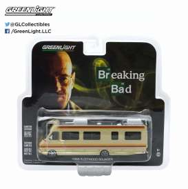 GreenLight - Fleedwood  - gl33021 : 1986 Fleetwood Bounder RV *Breaking Bad*. Jesse nicknamed the RV *The Krystal Ship*