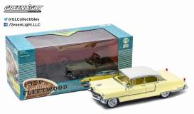 Cadillac  - 1955 yellow/white - 1:18 - GreenLight - 12937 - gl12937 | The Diecast Company