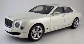 Bentley  - 2014 ghost white - 1:18 - Kyosho - 8910ghw - kyo8910ghw | The Diecast Company