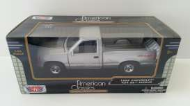 Chevrolet  - silver - 1:24 - Motor Max - 73203S - mmax73203S | The Diecast Company