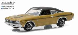 Chevrolet  - 1969 champagne gold iridescent - 1:64 - GreenLight - 13150B - gl13150B | The Diecast Company