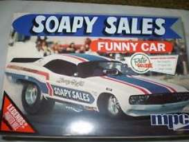 MPC - Dodge  - mpc831 : Soapy Sales Dodge Challenger Funny Car, plastic modelkit