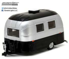 Airstream  - Bambi aged silver - 1:24 - GreenLight - 18226 - gl18226 | The Diecast Company
