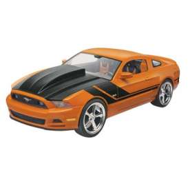 Ford Mustang - 2014  - 1:25 - Revell - US - 4379 - rmxs4379 | The Diecast Company