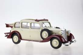 Mercedes Benz  - 1936 beige - 1:18 - Triple9 Resin series - T9R1800104 - T9R1800104 | The Diecast Company