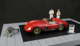 Maserati  - 1958 red - 1:18 - CMC - 172 - cmc172 | The Diecast Company