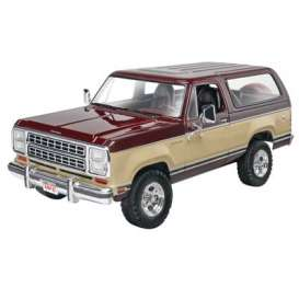 Dodge  - 1:24 - Revell - US - rmxs4372 | The Diecast Company