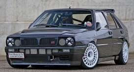 Lancia  - Delta HF Integrale 8V 1987 custom black - 1:18 - SunStar - 3156 - sun3156 | The Diecast Company