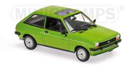 Ford  - 1976 light green - 1:43 - Maxichamps - 940085100 - mc940085100 | The Diecast Company