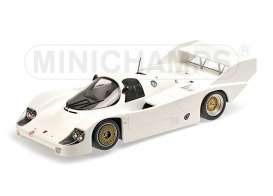 Porsche  - 1982 white - 1:18 - Minichamps - 155826600 - mc155826600 | The Diecast Company
