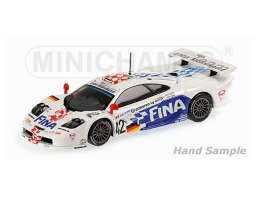 McLaren  - 1997 white/blue/red - 1:18 - Minichamps - 530133742 - mc530133742 | The Diecast Company