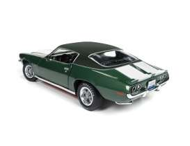 Chevrolet  - 1970 green - 1:18 - Auto World - AMM1095 | The Diecast Company