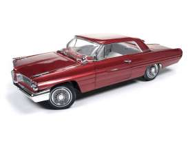 Auto World - Pontiac  - AMM1097 : 1962 Pontiac Grand Prix, burgundy