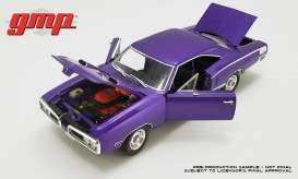 Plymouth  - Coronet Super Bee 1970 plum crazy - 1:18 - GMP - gmp18860 | The Diecast Company