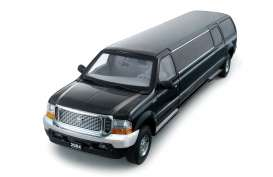 Ford  - 2002 ebony black - 1:18 - SunStar - 3931 - sun3931 | The Diecast Company