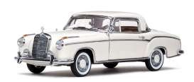 Mercedes Benz  - 220 SE Coupe 1959 ivory - 1:43 - Vitesse SunStar - vss28665 | The Diecast Company