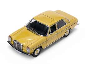Mercedes Benz  - Strich 8 Saloon 1968 yellow - 1:18 - SunStar - 4572 - sun4572 | The Diecast Company