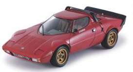 Lancia  - 1975 red - 1:18 - SunStar - 4521 - sun4521 | The Diecast Company