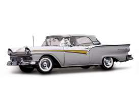 SunStar - Ford  - sun1339 : 1957 Ford Fairlane 500 Skyliner, Wood Smoke Gray/Colonial White