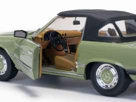 Mercedes Benz  - 350 SL Closed Convertible 1977 cypress green - 1:18 - SunStar - 4669 - sun4669 | The Diecast Company