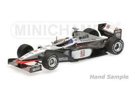 Minichamps - McLaren Mercedes - mc435980008 : 1998 McLaren Mercedes MP4/13 *Mika Hakkinen* Winner GP Monaco, black/white