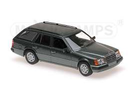 Mercedes Benz  - 1990 green metallic - 1:43 - Maxichamps - 940037011 - mc940037011 | The Diecast Company