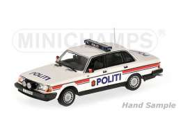 Minichamps - Volvo  - mc155171491 : 1986 Volvo 240 GL Police Norway 1, white/blue