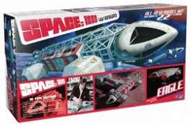 MPC - Eagle  - mpc874 : Space 1999 - Eagle Transporter, plastic modelkit