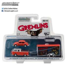 GreenLight - Volkswagen  - gl31030A : 1972 Volkswagen T2 Type 2 Double Cab Pick-Up + 1967 Volkswagen Beetle in Enclosed Car Hauler *Gremlins* *Hollywood Hitch & Tow Series 3*