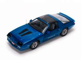Chevrolet  - 1985 bright blue - 1:18 - SunStar - 1942 - sun1942 | The Diecast Company
