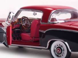 Mercedes  - 1958 red/black - 1:18 - SunStar - sun3569 | The Diecast Company