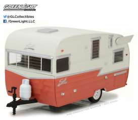 GreenLight - Shasta  - gl18415A : 1/24 Shasta Airflyte *Hitch & Tow Trailers Series*, white/coral