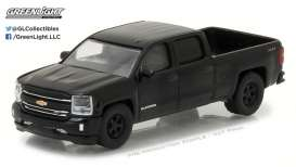 GreenLight - Chevrolet  - gl27930E : 2016 Chevrolet Silverado *Black Bandit Series 18*, black