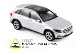 Mercedes Benz  - 2015 `white - 1:43 - Norev - nor351337 | The Diecast Company
