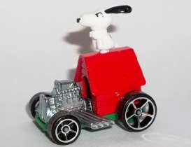 Snoopy  - Mobile white/red - 1:64 - Hotwheels - mvDWJ89 - hwmvDWJ89 | The Diecast Company